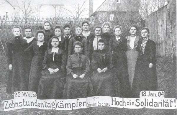 Solidaritätspostkarte zum Streik in Crimmitschau (1903/04), Zehnstundentagkämpferinnen in Crimmitschau, 1904; Quelle: Heimatmuseum Crimmitschau